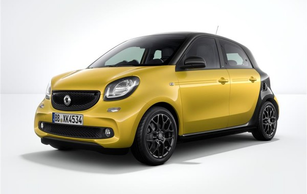 smart FORFOUR עולה על הכביש…